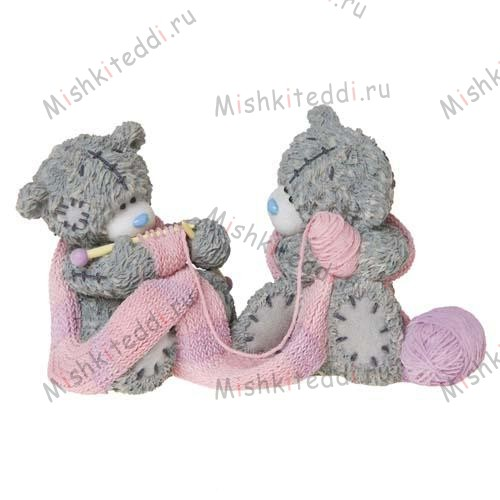 Closely Knit Me to You Bear Figurine (Dec Pre-Order) Closely Knit Me to You Bear Figurine (Dec Pre-Order)