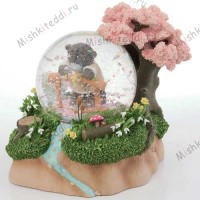 Spring Blossom Me to You Bear Figurine (LIMITED EDITION)